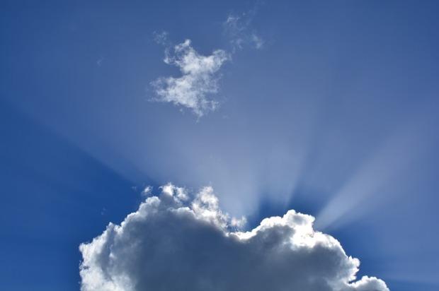 clouds-295695_640