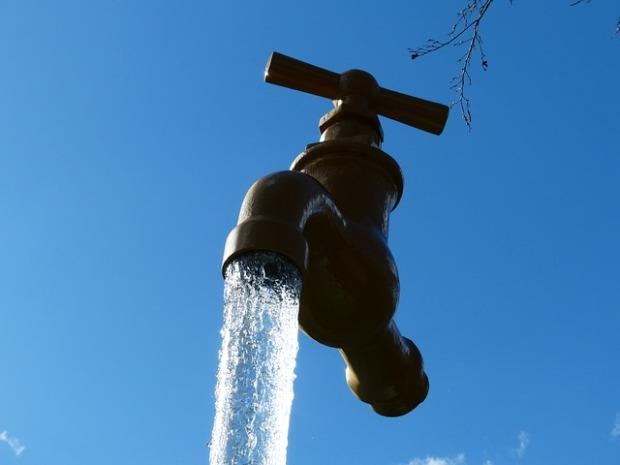 faucet-113399_640