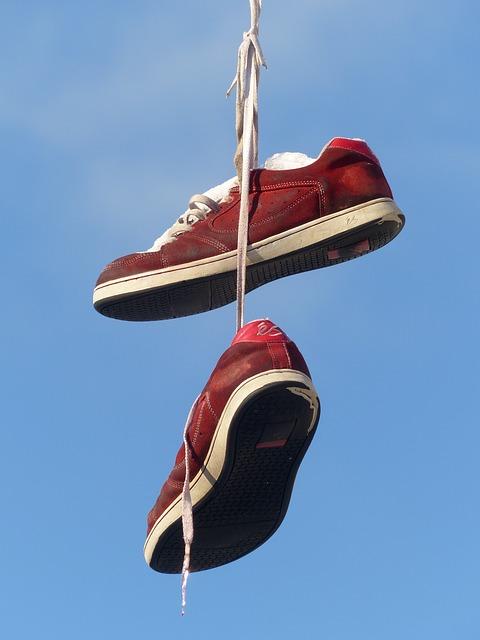 shoes-93756_640